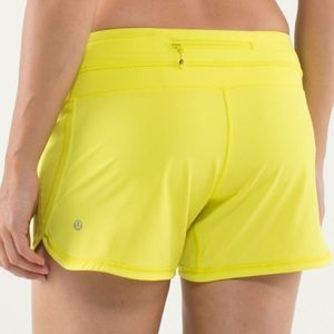 Lululemon Groovy Run Short Split Pea Yellow Size 4